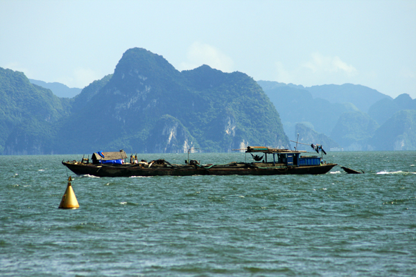 Ha-Long-Bay Fischerboot-Vietnam
