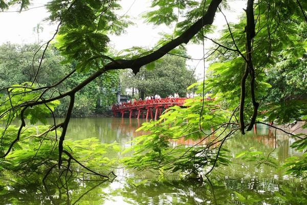 Die Huc Brücke Hanoi, Vietnam